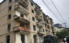 IKMT, shpërthim i kontrolluar për pallatin 5 katësh në Poliçan 18.04.2019